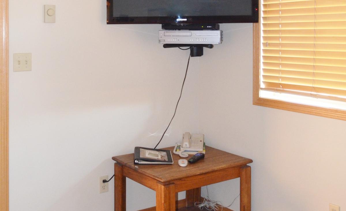 Moose Creek TV Corner